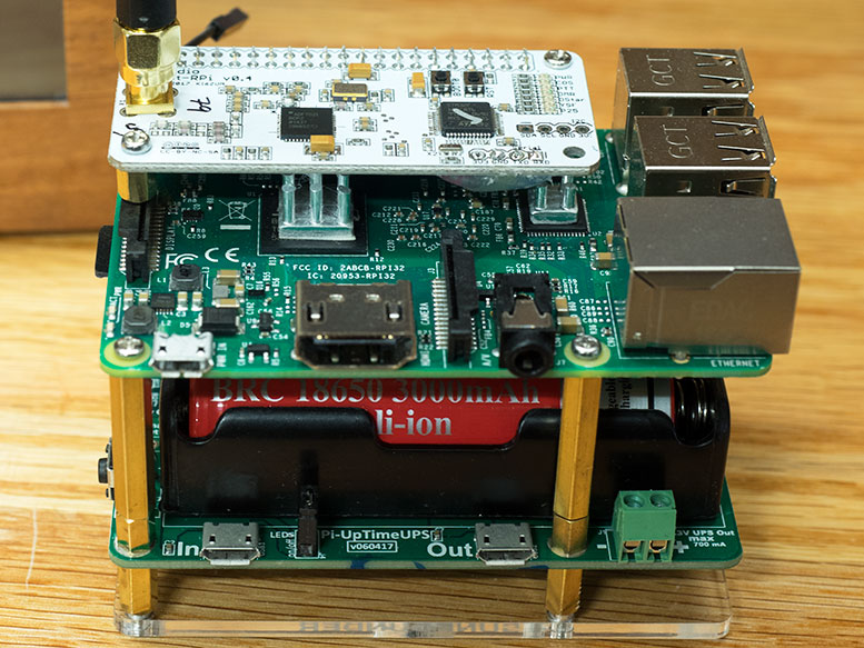 ZUMspot connected to RPi3 and Pi-UpTimeUPS